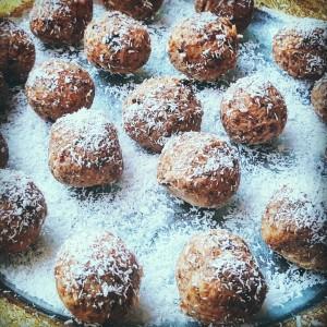 Ten minute Pumpkin fig chia cocoa cookies!